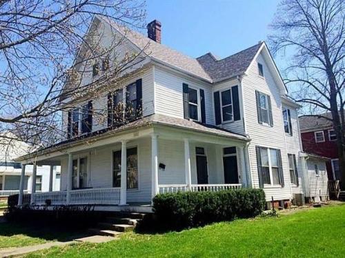 403 - 405 W Franklin Street #1 Photo 1