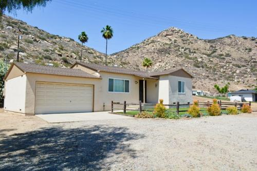 13504 Willow Road Photo 1