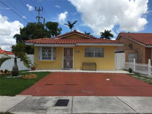 11400 NW 87th Court Photo 1