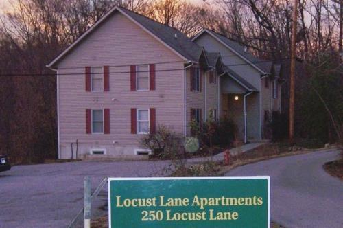 250 Locust Lane #1B Photo 1