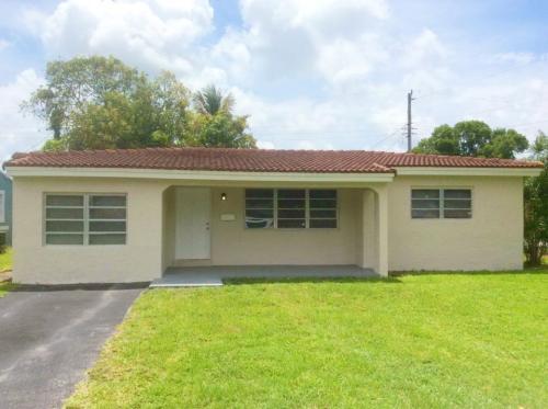 2719 Bahama Drive Photo 1