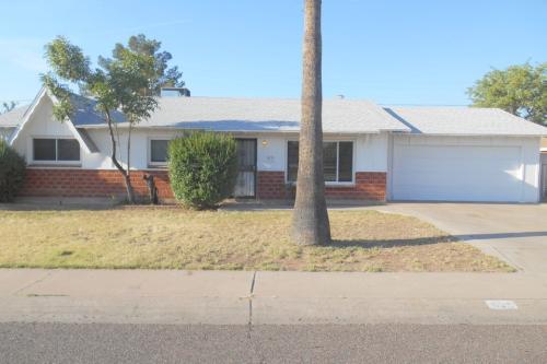 4135 W Stella Lane Phoenix AZ Photo 1