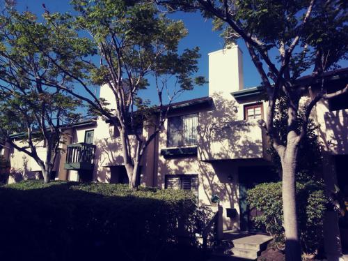 Villa La Jolla Drive Photo 1