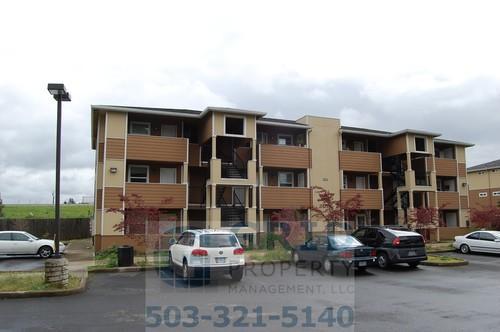 9230 SE Division Street 206 Photo 1