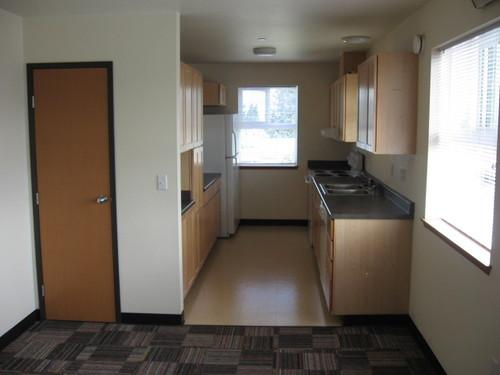 Large 3 bedroom with amazing views at Everett, WA Photo 1