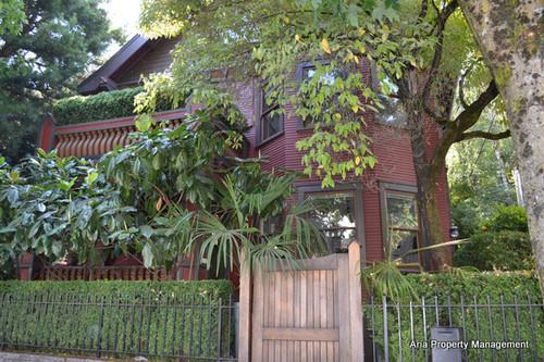 2112 NW Everett Street Photo 1