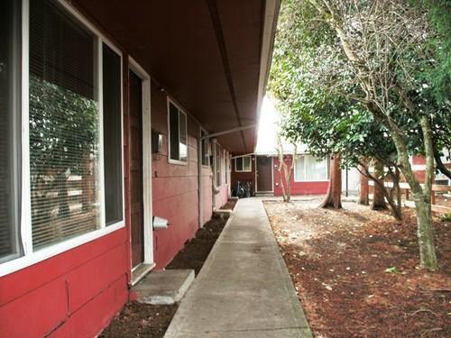 12250 SW Allen Blvd. ** Nice Apartment Near Was... Photo 1