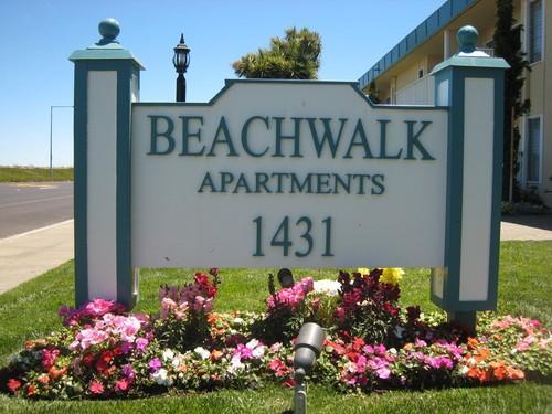 1431 Beach Park Blvd Photo 1