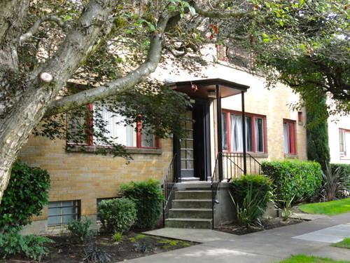 2113 NE Clackamas Street Photo 1
