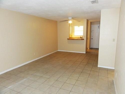 Just renovated! 2BR/1BA Apt - Only $650!! at S.... Photo 1