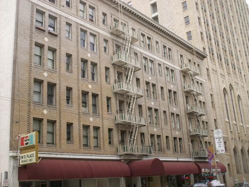 146 Mallister Street Photo 1
