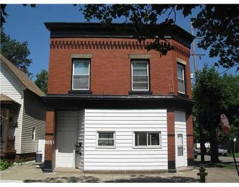 1054 E 11th Street #3 Photo 1