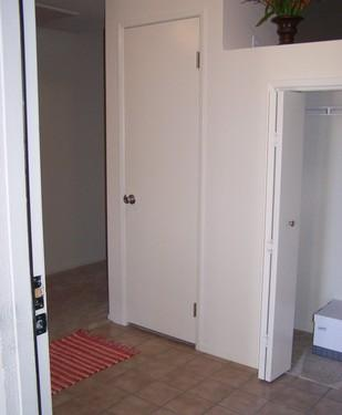 Spacious One Bedroom/One Bathroom on the First ... Photo 1