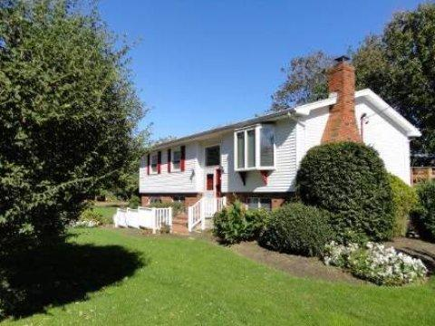 4 bed, $1,995 Photo 1