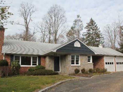 4 bed, $3,900 Photo 1