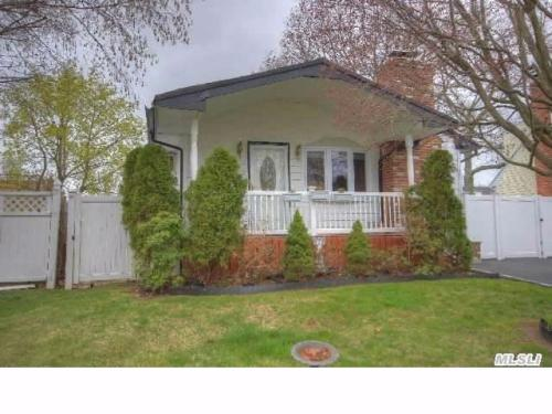 3 bed, $2,350 Photo 1