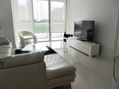 485 Brickell Avenue AFJA Photo 1