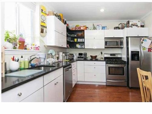3 bed, $4,000 Photo 1