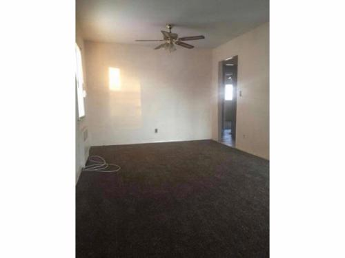 2 bed, $1,600 Photo 1