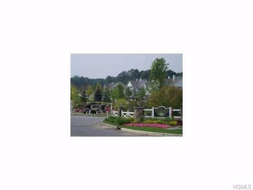 17 Country Club Dr Photo 1