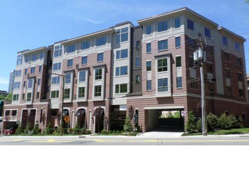 Apartment unit 407 at 2001 hudson terrace fort lee nj for 2400 hudson terrace fort lee nj 07024