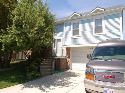 1242 Spring Valley Drive Photo 1