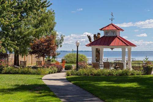 Village Green on Lake St. Clair Photo 1