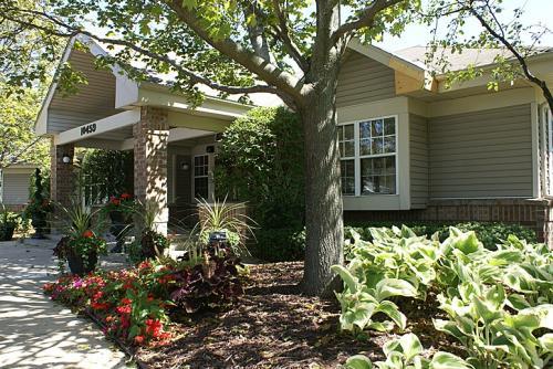 Plum Tree Apartments Photo 1