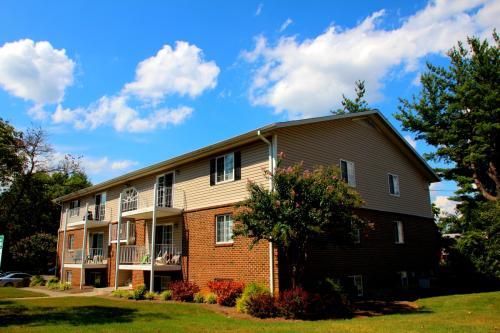 Salem Wood Apartments Photo 1