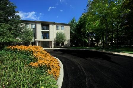 Farmington Oaks Apartments Photo 1