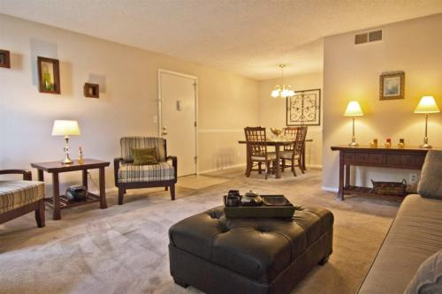 Hampton Chase Apartments Photo 1