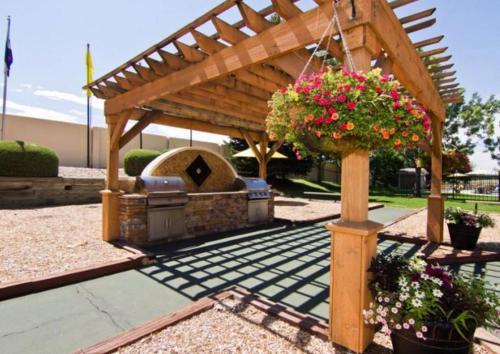 Summit Ridge Apartments Photo 1