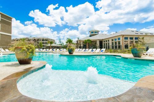 The Estates Woodland Luxury Rental Apartments Photo 1