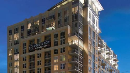 Solaire Silver Spring Photo 1