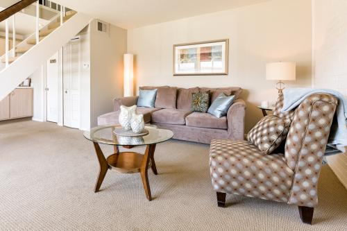 Pepperwood Apartments & Townhomes Photo 1