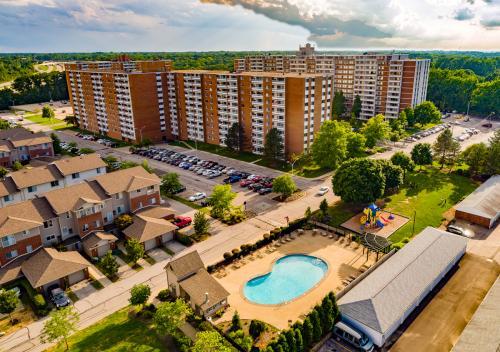Pine Ridge Apartments Photo 1