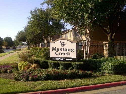 Mustang Creek Photo 1