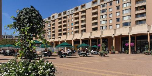 Columbia Plaza Apartments Photo 1