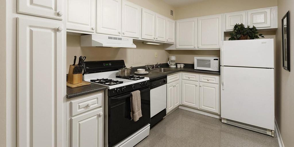Columbia Plaza Apartments At 2400 Virginia Avenue NW, Washington, DC 20037  | HotPads