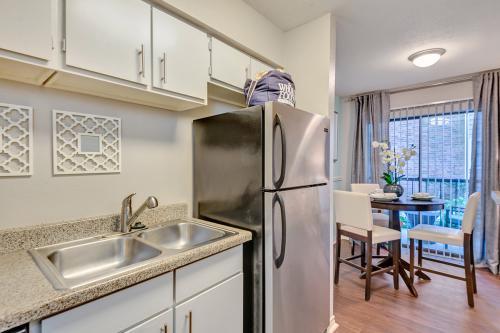 Westchase Creek Apartments Photo 1