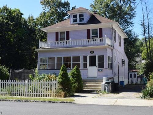 69 Garden Avenue Photo 1