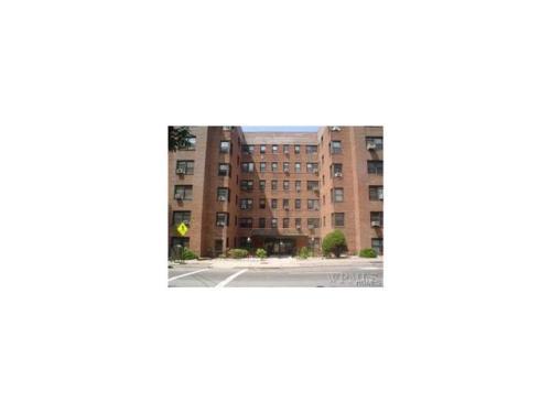140 E Hartsdale Avenue Photo 1