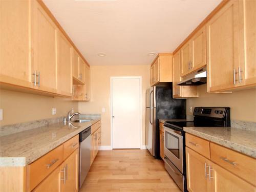 1410 Millbrae Avenue Photo 1