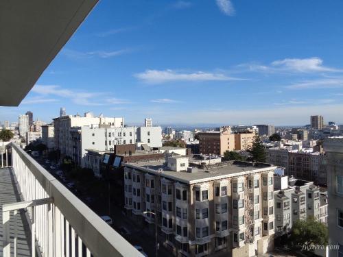 Sacramento Street Photo 1
