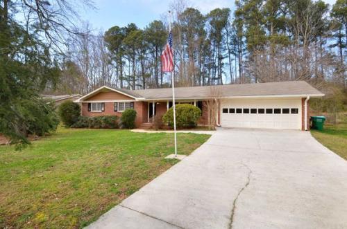 5597 Beechwood Drive Photo 1