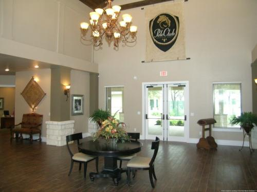 Polo Club Apartments Photo 1