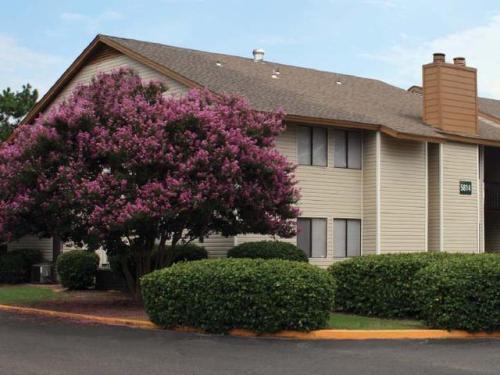 The Reserve at Mt. Moriah Apartment Homes Photo 1