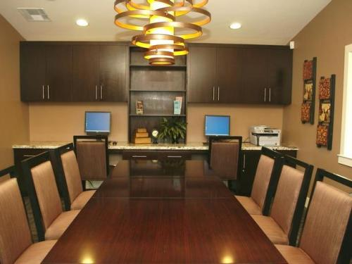 Twin Creeks Apartments Photo 1