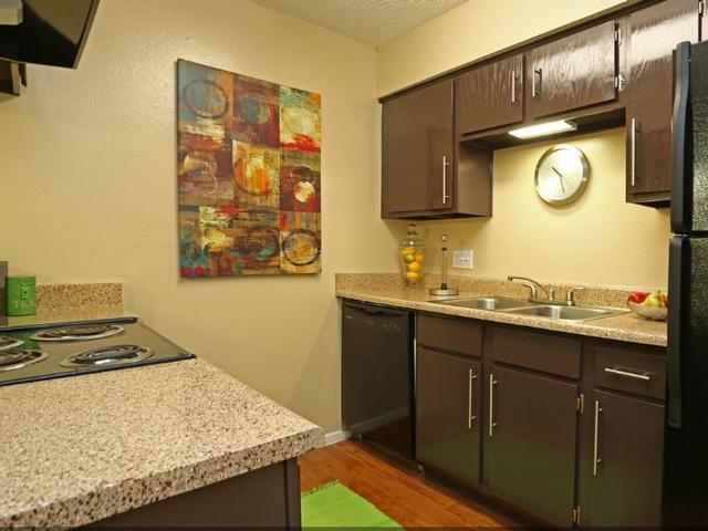 Hunter's Green Apartments Photo 1