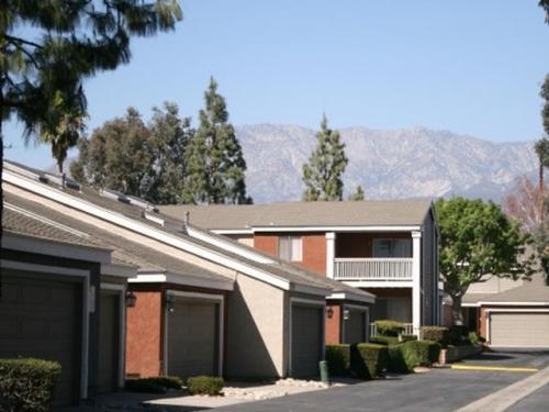 Rancho Vista Townhomes Photo 1